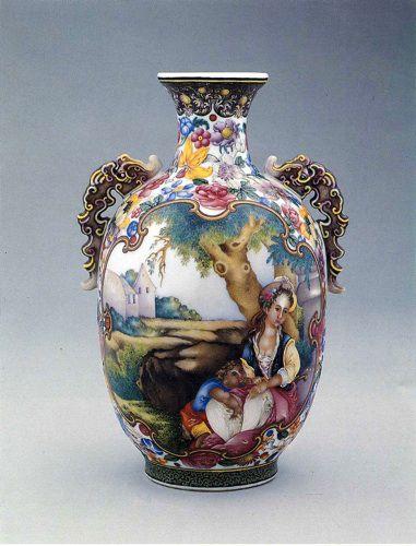 Красивая роспись на <strong>росписи китайского фарфора</strong> китайской фарфоровой вазе