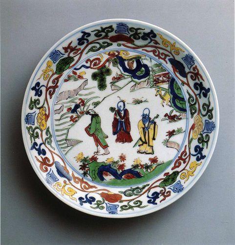 Сюжетная роспись тарелки из китайского фарфора