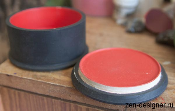 Обработка крышки деревянной шкатулки