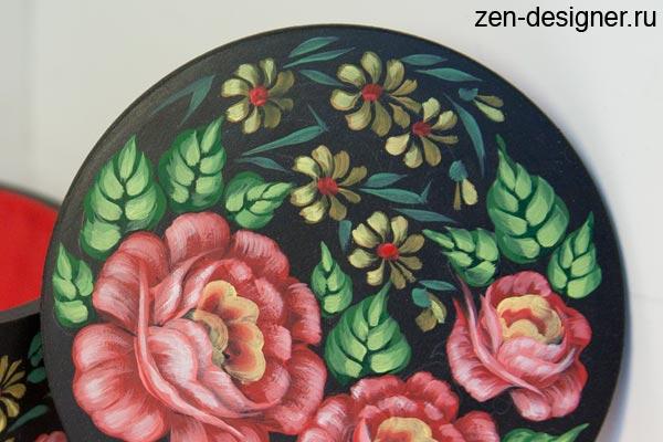 Узорная роспись растительным орнаментом