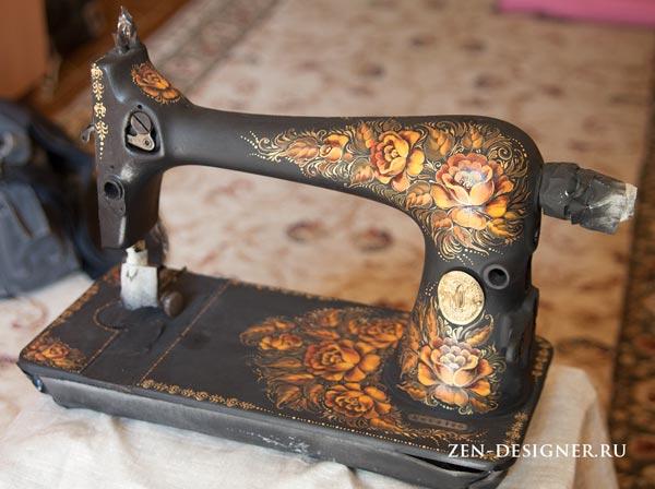 Корпус швейной машинки расписываем масляными красками